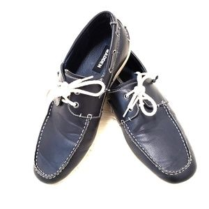 Steve Madden navy blue leather lined boat shoes